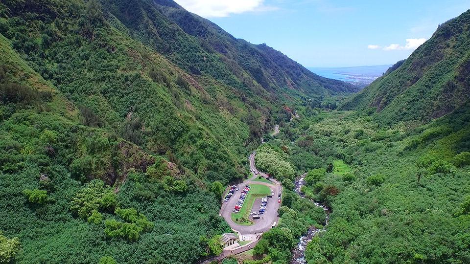 Hiking Iao Valley Maui