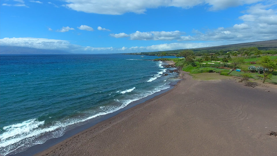 Oneuli Black Sand Beach On Maui Is Not The Best Option To Choose For A Lazy Day Of Sunbathing And Taking Frequent Dips Into Pacific This