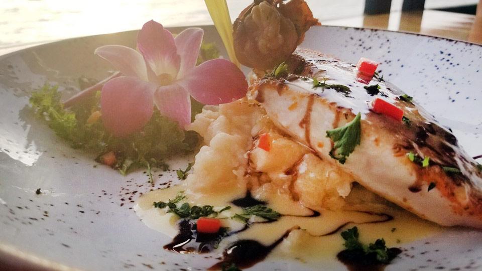 lahaina fish company on maui