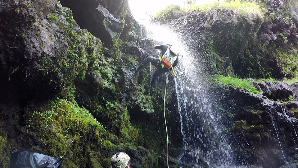 rappel waterfalls