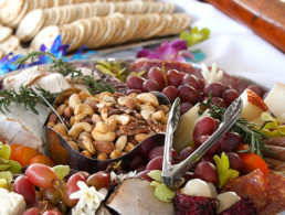 Grapes, cashews, crackers